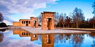 фото храма Дебод в Мадриде