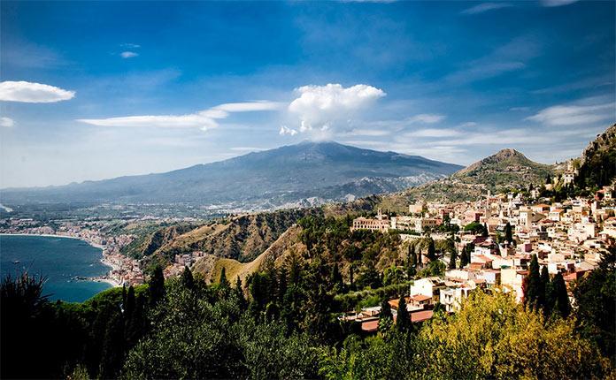 Вулкан Этна в Сицилии