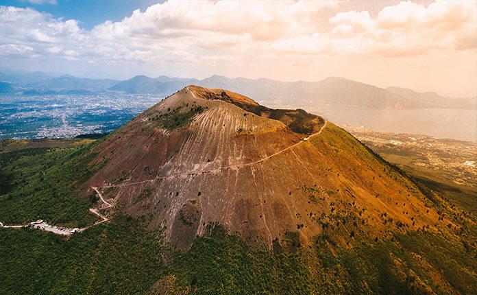 Вулкан Везувий в Неаполе