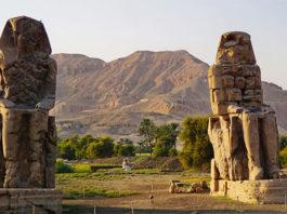 Колоссы Мемнона в Луксоре