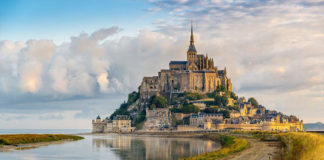 Мон Сен Мишель в Нормандии