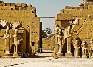 Луксорский храм в Луксоре