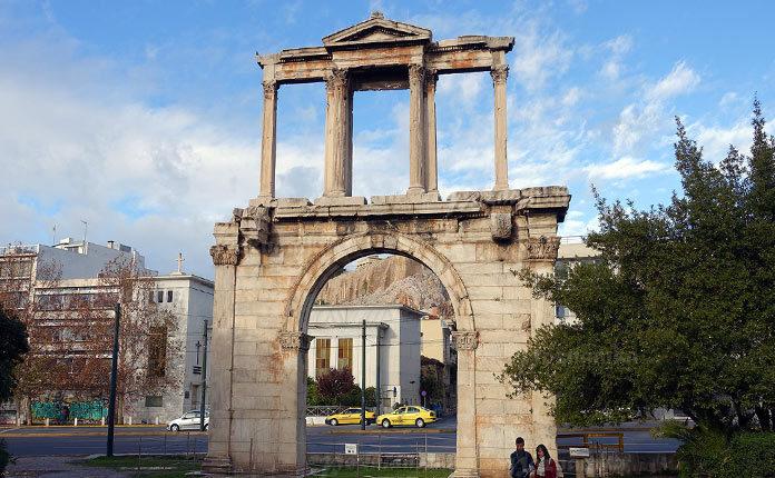 Арка Адриана в Греции