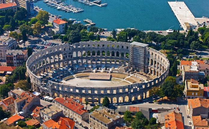 Амфитеатр Пулы в Хорватии