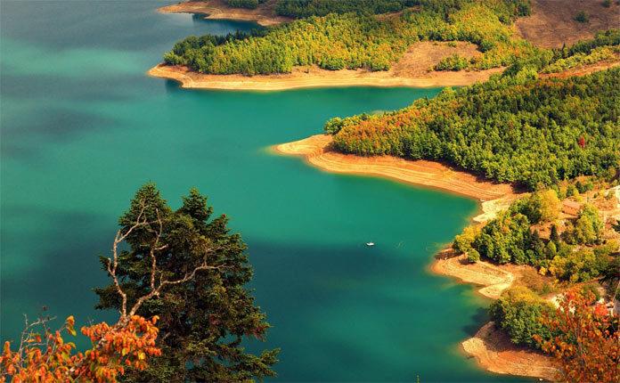 Озеро Пластира в Греции