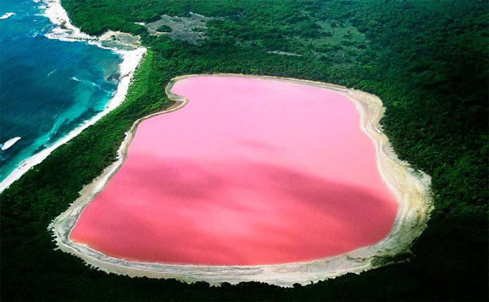 Озеро Хиллер на острове Миддл в Австралии